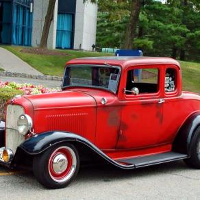 1932 Ford 5W Coupe - 11