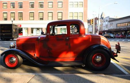 1932 Ford 5W Coupe - 28