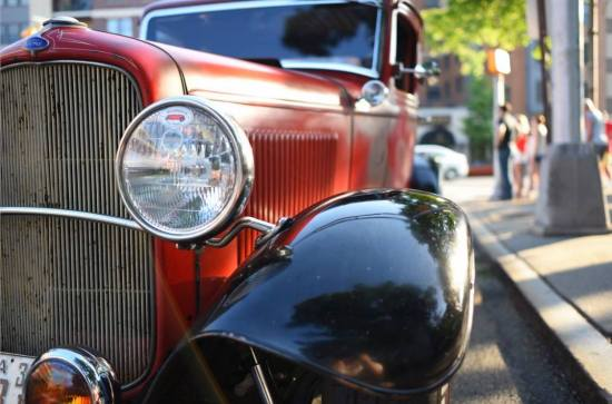 1932 Ford 5W Coupe - 29