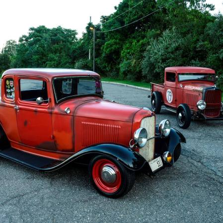 1932 Ford 5W Coupe - 31