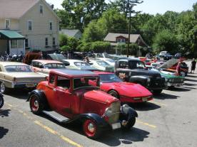 1932 Ford 5W Coupe - Car Show - 12