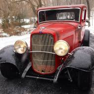 1932 Ford 5W Coupe - Snowing - 2